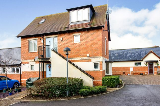 Thumbnail Maisonette for sale in Tankard Close, Newport Pagnell