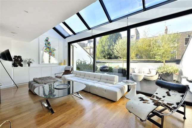 Thumbnail Property for sale in Compton Avenue, London
