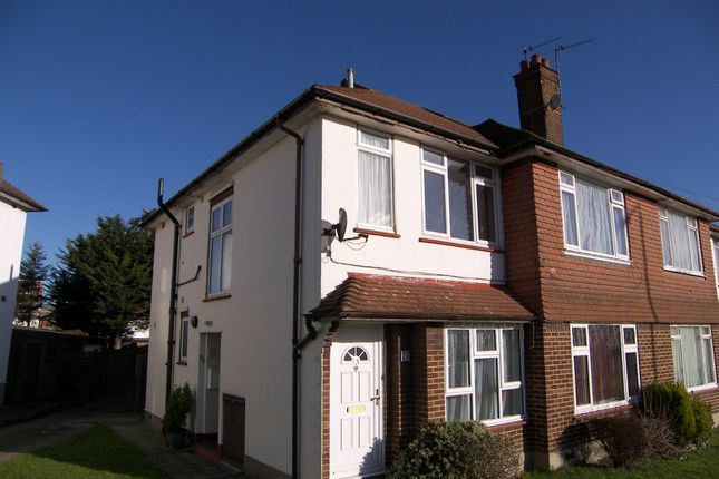 Thumbnail Maisonette to rent in Broadmead Road, Woodford Green