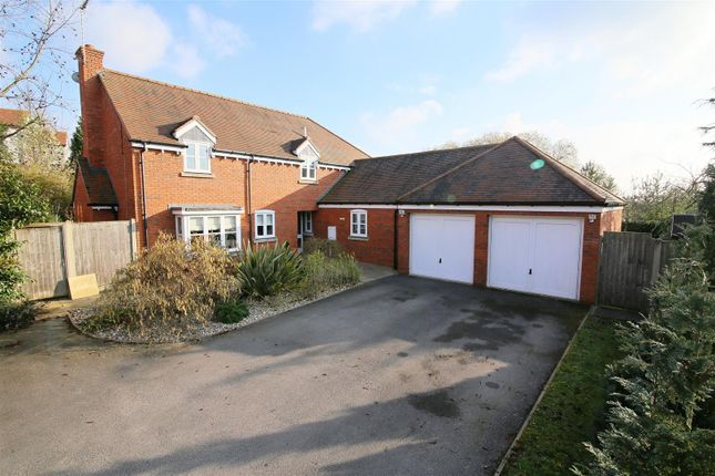 Thumbnail Detached house for sale in Monarch Close, Rugby