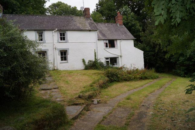 Thumbnail Farmhouse for sale in Lancych, Boncath