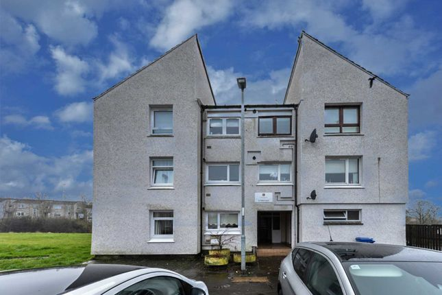 Thumbnail Flat for sale in Tern Place, Johnstone