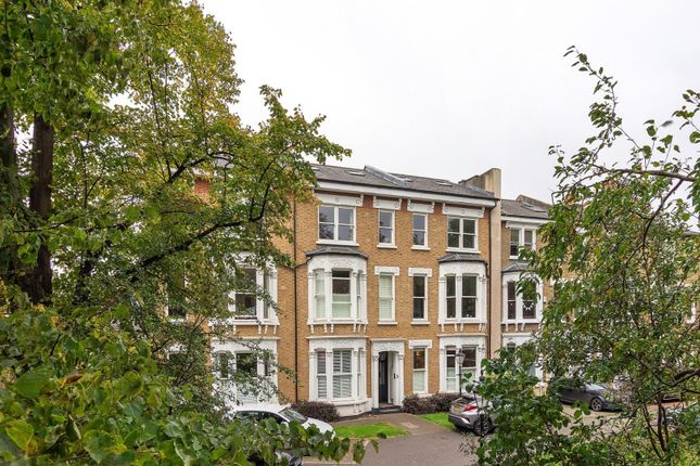 2 bed flat for sale in Josephine Avenue, London SW2