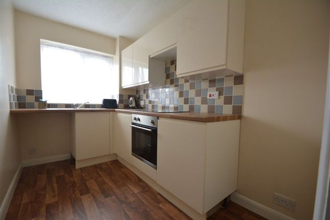 2 bed flat to rent in Gabriel Court, Fletton, Peterborough
