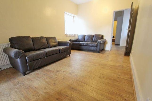 Thumbnail Flat to rent in Myddleton Road, London