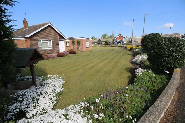 Thumbnail Detached bungalow for sale in Sycamore Drive, Thame