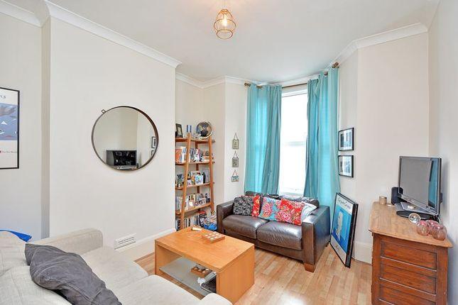 Thumbnail Flat for sale in Pegasus Close, Green Lanes, London
