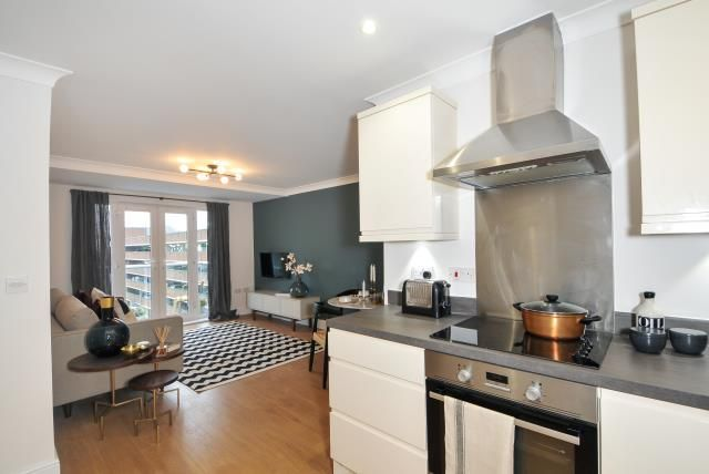 Thumbnail Flat for sale in Market Street, Bracknell