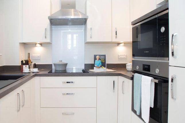 Thumbnail Property to rent in Twickenham Road, Isleworth