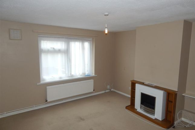 Thumbnail Flat to rent in Bettsland, West Cross, Swansea