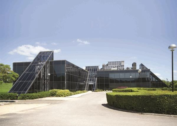 Thumbnail Office to let in 140, Windmill Hill Business Park, Whitehill Way, Swindon