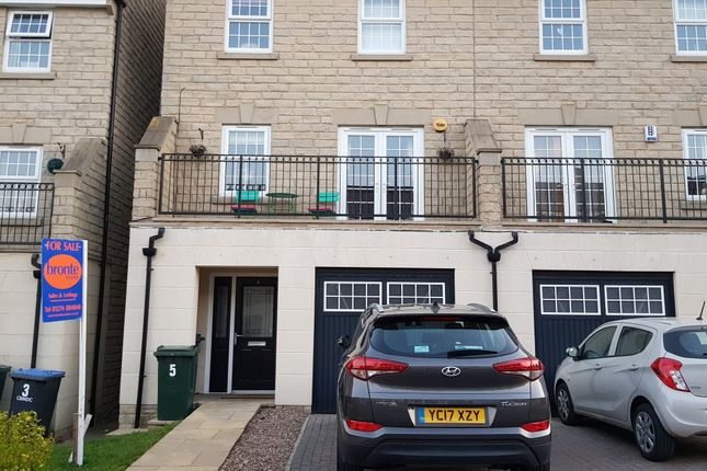 Thumbnail Semi-detached house for sale in Burwood Drive, Queensbury, Bradford