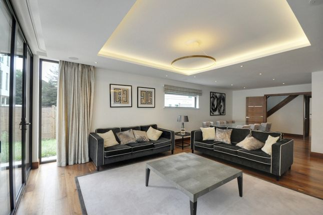 Thumbnail Terraced house to rent in Row House, Kew Bridge Court, Chiswick