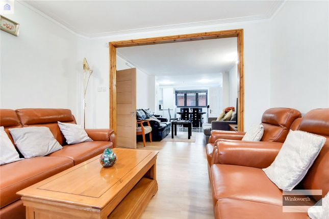 5 bed detached house for sale in Beverley Drive, Edgware HA8
