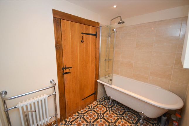 Family Bathroom of Shelley Street, Old Town, Swindon SN1