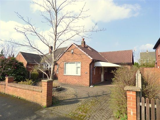 Thumbnail Bungalow to rent in Moor Avenue, Penwortham, Preston