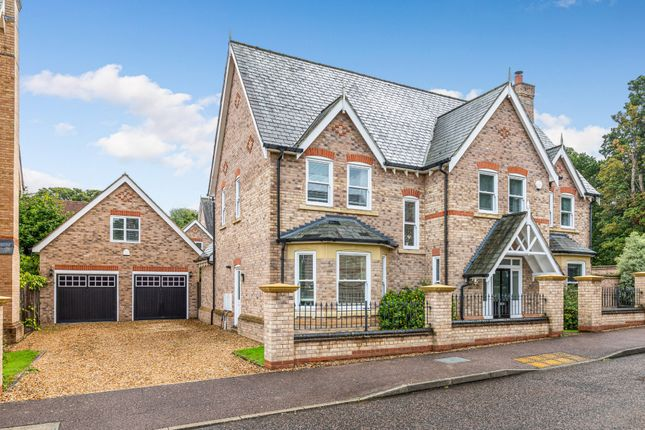 Thumbnail Detached house for sale in Shaftesbury Drive, Fairfield, Hitchin, Herts