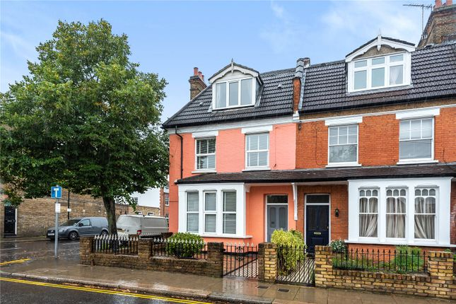 5 bed end terrace house for sale in Wades Hill, Winchmore Hill, London N21