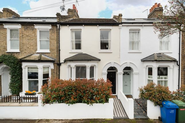 Thumbnail Terraced house to rent in Rodwell Road, London
