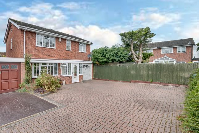 Thumbnail Link-detached house for sale in Hollyberry Close, Winyates Green, Redditch