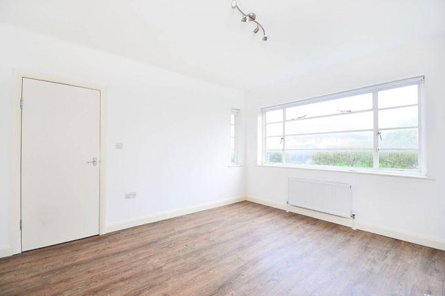 Thumbnail Flat to rent in Denison Close, Hampstead Garden Suburb, London