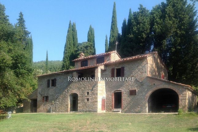 4 bed farmhouse for sale in Sansepolcro, Tuscany, Italy