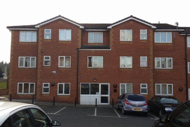 3 bed flat to rent in Harvest Road, Rowley Regis