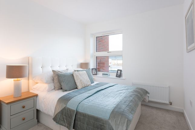 3 bedroom flat for sale in Shopwyke Lake, Tern Crescent, Chichester, West Sussex