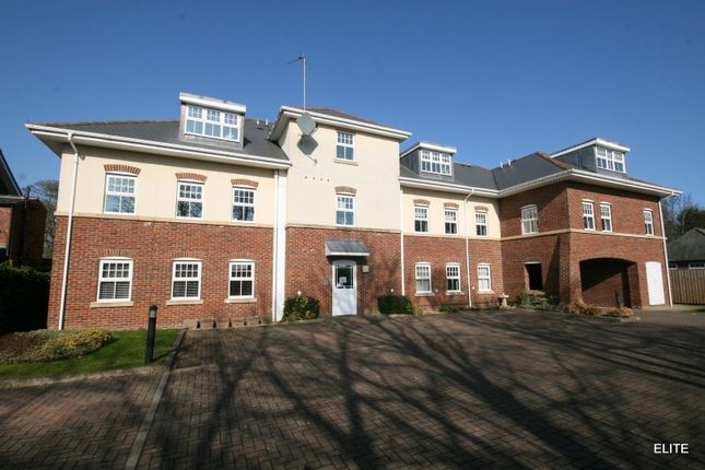 Flat to rent in Angerstein Court, Broomside Lane, Durham