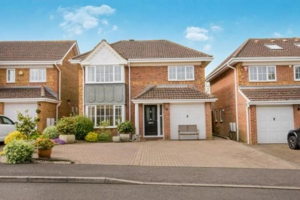 4 bed detached house for sale in The Crofts, Hatch Warren, Basingstoke