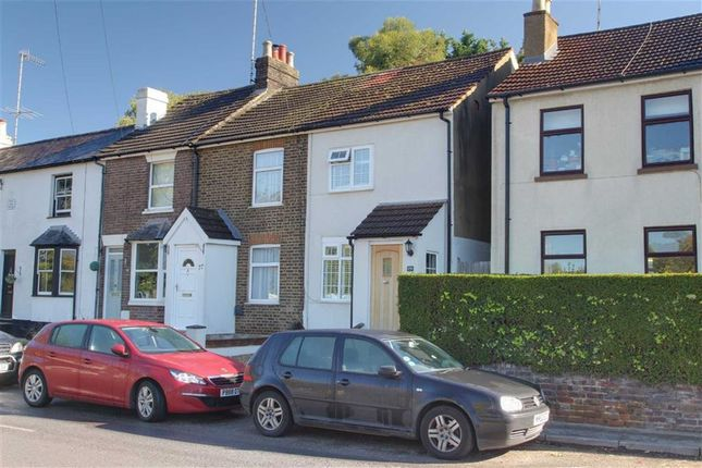 Thumbnail Terraced house for sale in Primrose Hill, Kings Langley