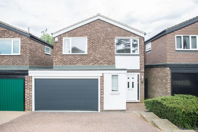 Thumbnail Detached house for sale in Willowdene Court, Warley, Brentwood