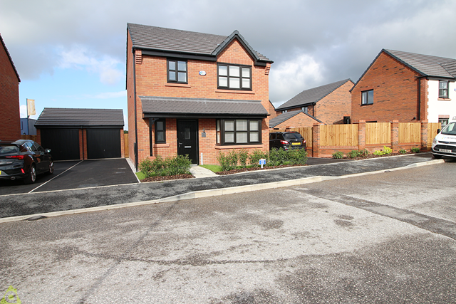 Thumbnail Detached house to rent in Collingwood Way, Westhoughton, Bolton