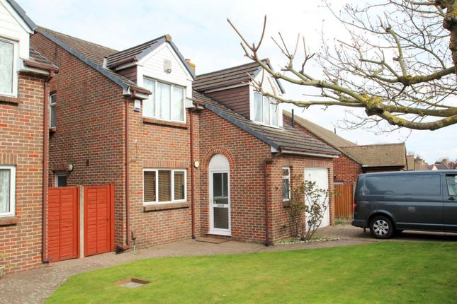 Thumbnail Property to rent in Croft Avenue, West Wickham