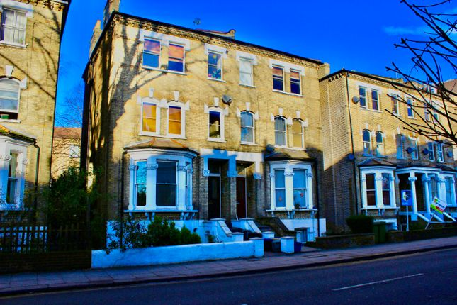 Thumbnail Flat to rent in Richmond Road, Middlesex
