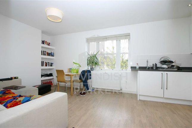 Flat to rent in Thane Villas, Finsbury Park, London