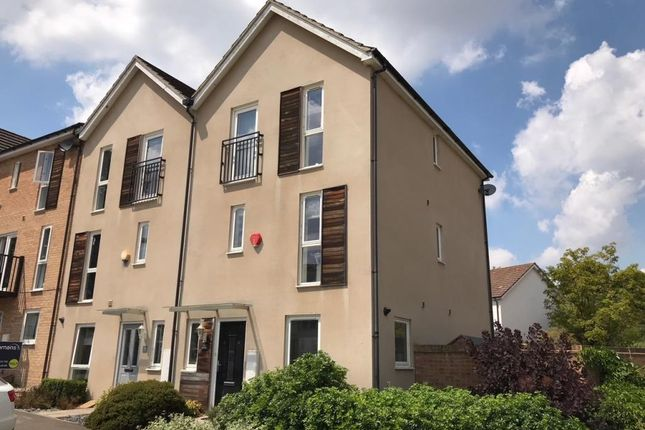 Thumbnail Town house to rent in The Parks, Bracknell