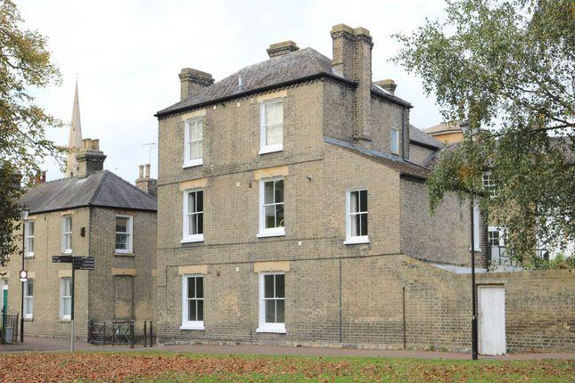 Thumbnail Flat to rent in Pikes Walk, Cambridge