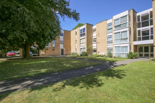 Thumbnail Flat for sale in Winchester Close, Bush Hill Park