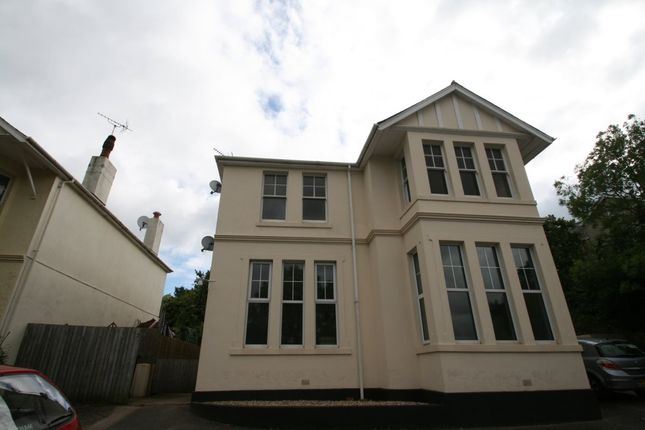 Flat to rent in Cricketfield Road, Torquay