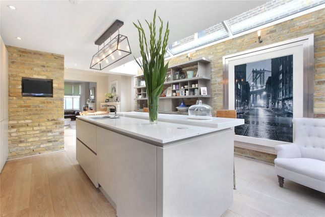Thumbnail Terraced house for sale in Chatto Road, Battersea, London