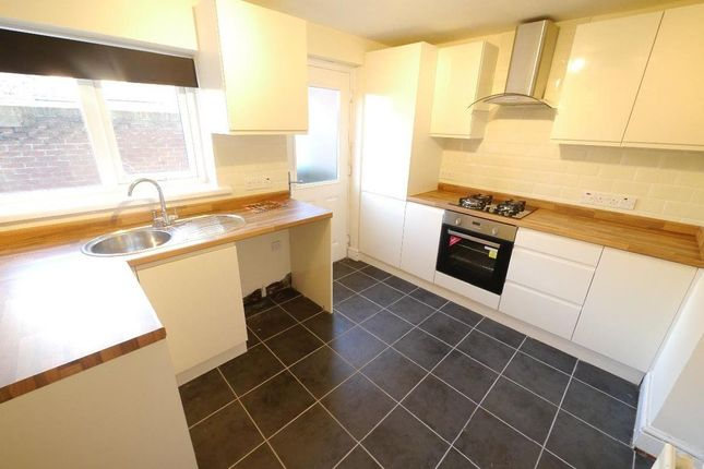 2 bed terraced house to rent in Taylor Terrace, West Allotment, Newcastle Upon Tyne NE27