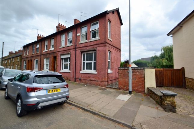 Thumbnail Flat to rent in Harborough Road, Kingsthorpe, Northampton