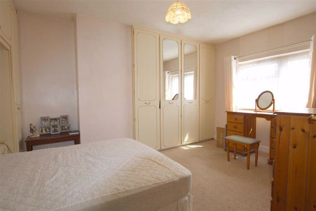Bedroom: of Roseneath Terrace, Wortley, Leeds, West Yorkshire LS12