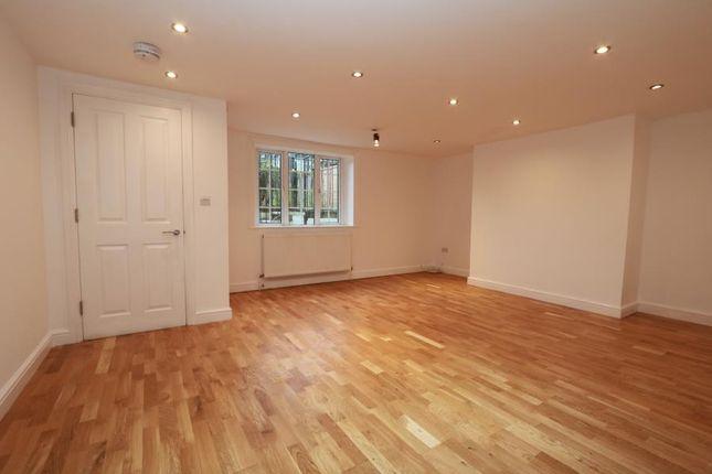 Thumbnail Flat to rent in Berrylands Road, Berrylands, Surbiton