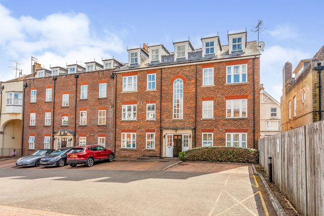 2 bed flat for sale in Boltro Road, Haywards Heath RH16