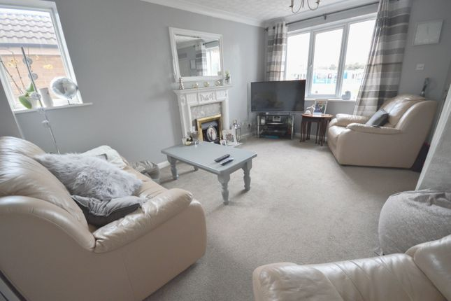 Thumbnail Semi-detached house to rent in Blackdown Avenue, Waterthorpe, Sheffield
