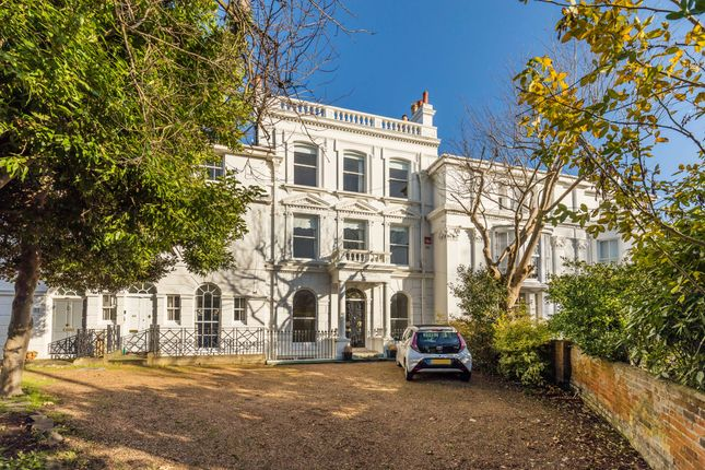Thumbnail Town house for sale in Kent Road, Southsea