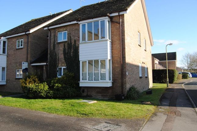 Thumbnail Flat to rent in Blakes Avenue, Witney, Oxon