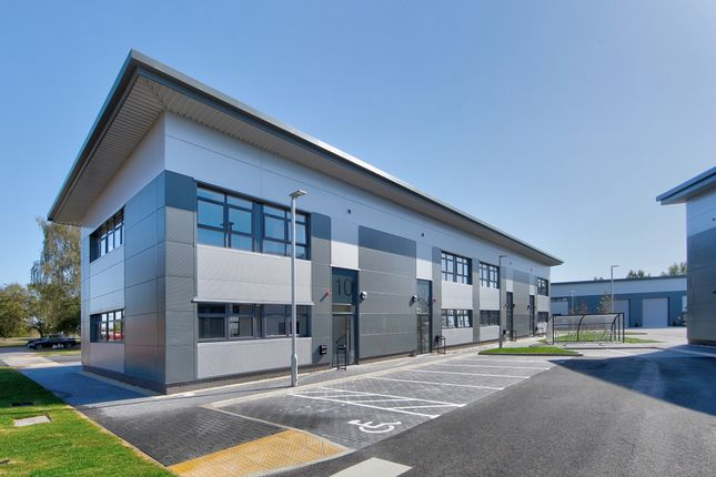 Office to let in Downsview Road, Wantage